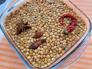 lenticchie-in-ammollo-con-spezie